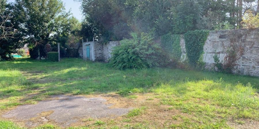 Terrain de 340 m² Le Drennec - 29 900 €